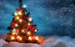 Fondos de Pantalla Arbol de Navidad en la Nieve
