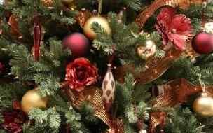 Adornos en arbol Navidad