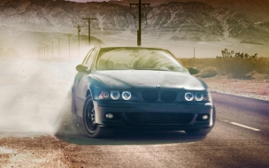 BMW 320CI In Desert wallpaper