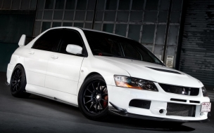 Lancer Evolution White On The Road wallpaper