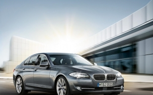 2011 BMW 5 Series F10 wallpaper