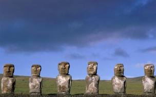 Esculturas con piedras antiguas