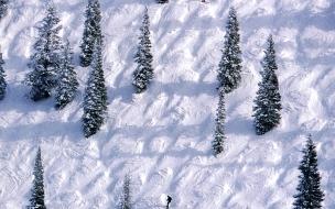Personas skiando