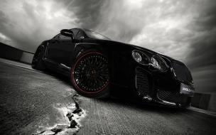 Carro deportivo en Blanco y Negro