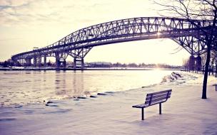 El puente y la nieve