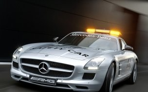 2010 Mercedes Benz SLS AMG F1 Safety Car wallpaper