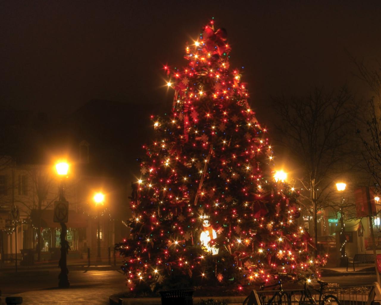 christmas tree desktop wallpaper 1280x1024 - photo #9