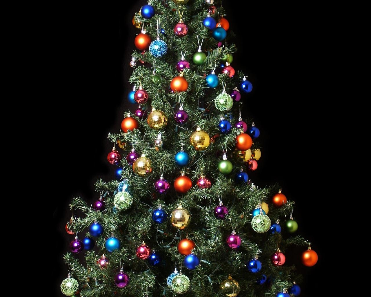 Fondo de pantalla arbol de navidad con bolas de colores - Arbol de navidad colores ...