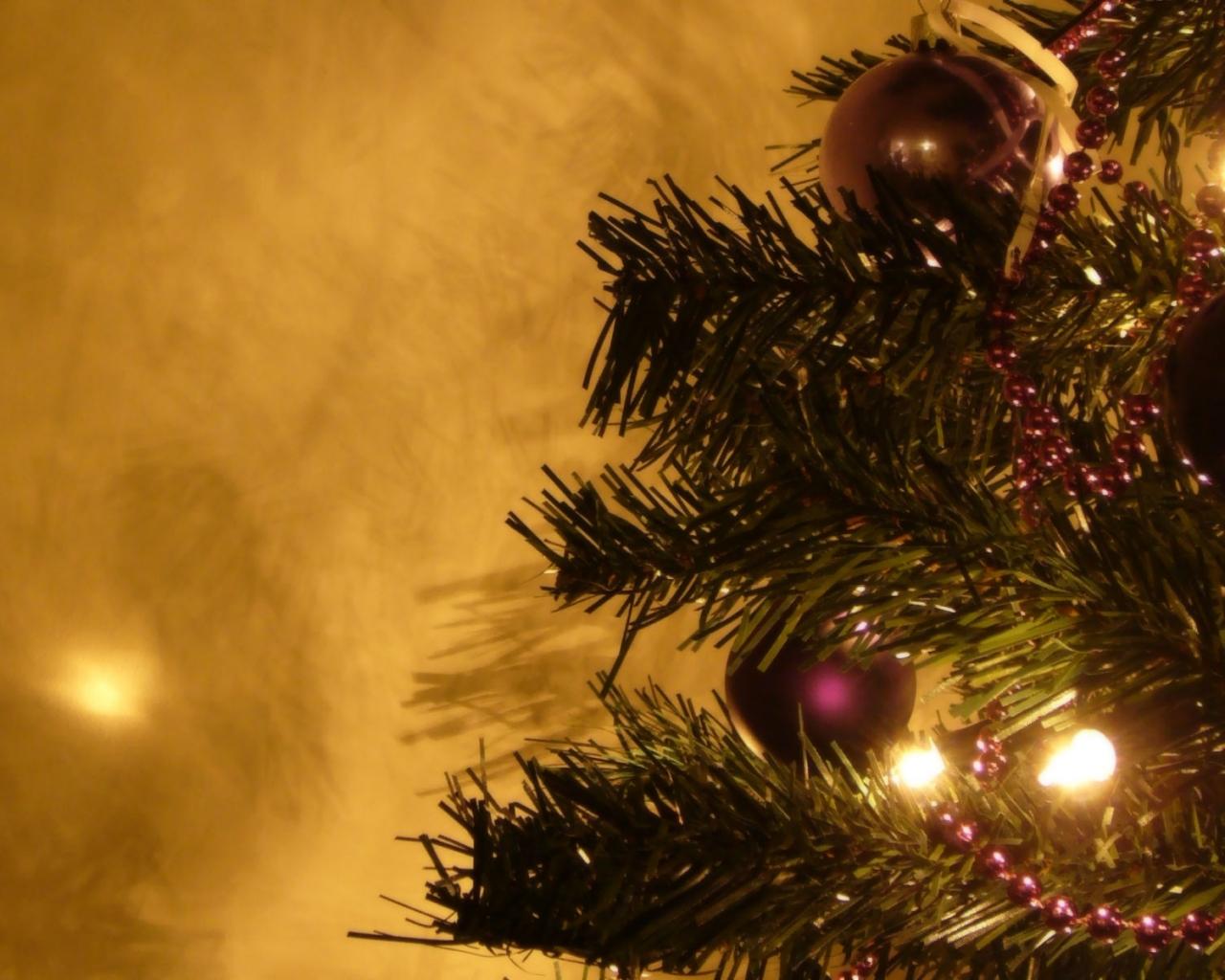Fondo De Pantalla Parte De Un Arbol De Navidad 1280x1024